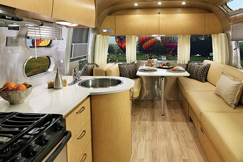 Airstream Flying Cloud with Airstream Financing | Ewald ...