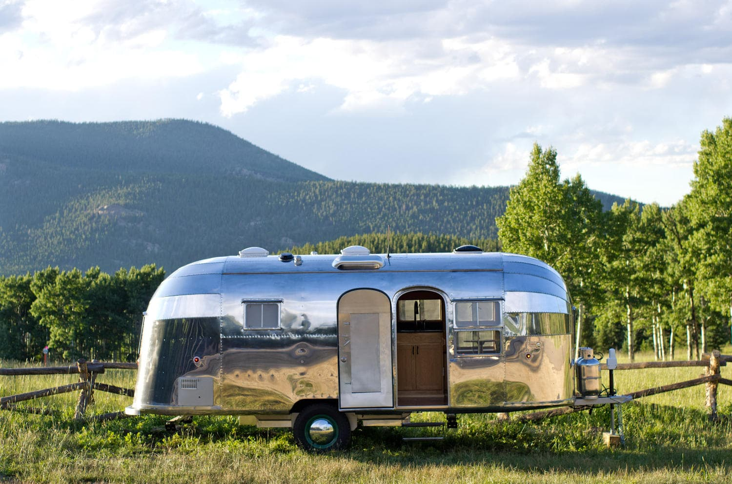 Tacoma Travel Trailer >> Airstream Flying Cloud in Wisconsin | Ewald Airstream