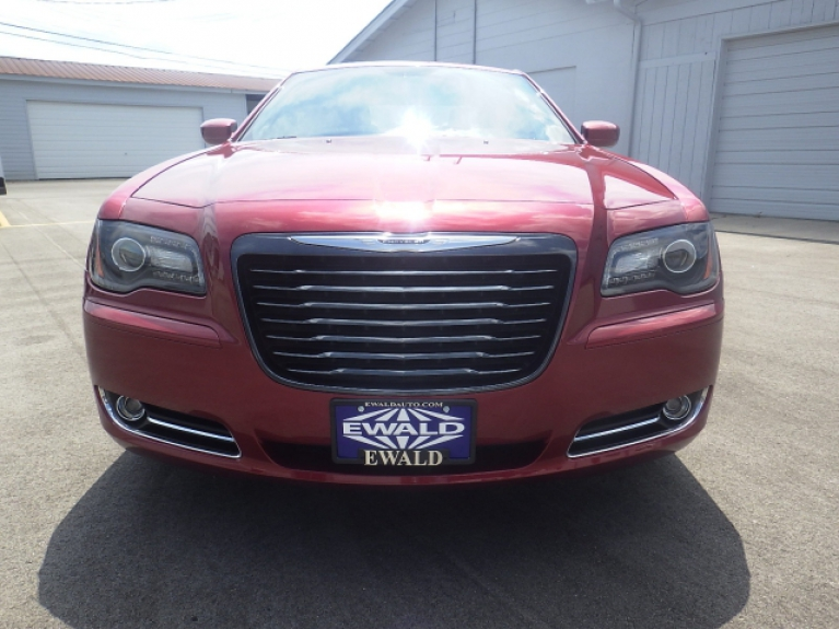 used chrysler 300 for sale in milwaukee area ewald automotive group. Black Bedroom Furniture Sets. Home Design Ideas
