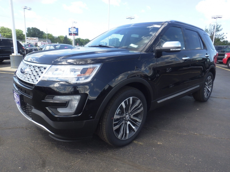 take a look at this 2016 ford explorer platinum ewald 39 s hartford ford. Black Bedroom Furniture Sets. Home Design Ideas