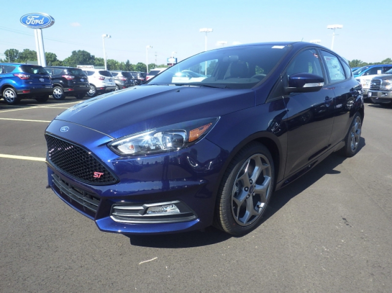 2016 ford focus st for sale in hartford wi ewald 39 s hartford ford. Black Bedroom Furniture Sets. Home Design Ideas