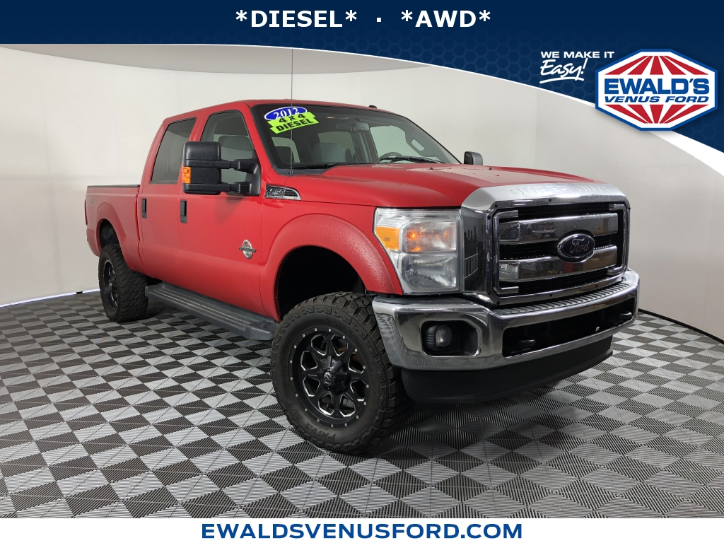2012 Ford Super Duty F-250 SRW Red This 2012 Ford Super Duty F-250 SRW features a Red exterior wit