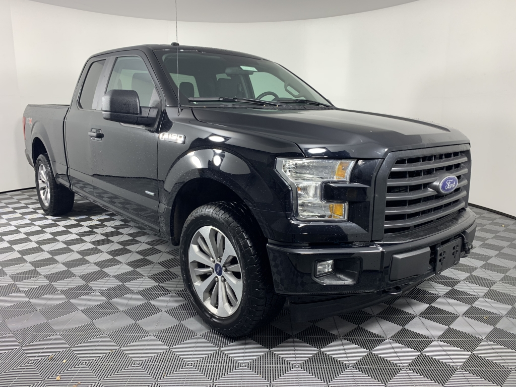 2017 Ford F-150 XL Black 27 ECOBOOST STX APPEARANCE GROUP BACK UP CAMERA This 2017 Ford F-150