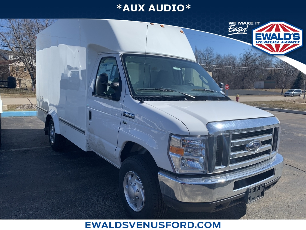 2019 Ford E-Series Cutaway E-350 SRW 138 WB Oxford White This 2019 Ford E-Series Cutaway E-350 SR