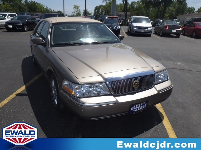 2004 Mercury Grand Marquis GS Gold Buy With Confidence Free AutoCheck Vehicle History Report 20