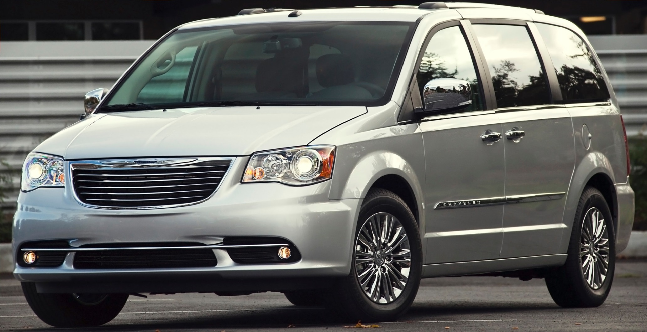 Minivans For Sale >> Ewalds Used Chrysler Minivans For Sale In Franklin Ewald Cjdr