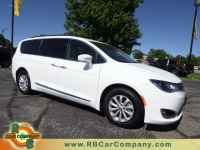 Used, 2017 Chrysler Pacifica Touring-L FWD, Bright White Clearcoat, 25670-1