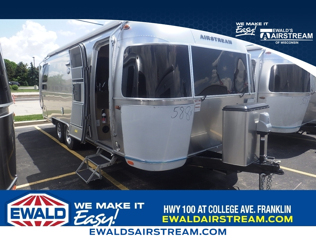 2018 Airstream Classic 30RB, AT18001, Photo 1