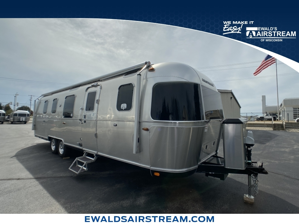 2019 Airstream  Classic 33FB, ATXXX638, Photo 1