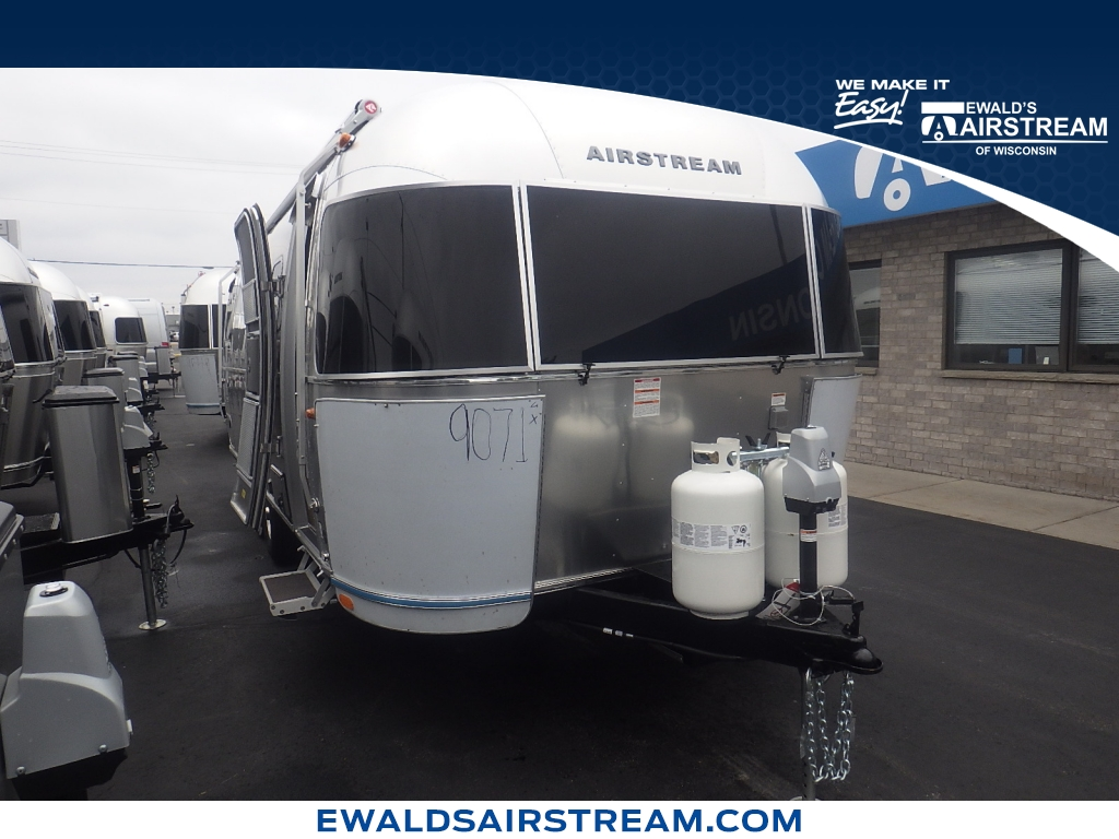 2019 Airstream Flying Cloud 23RCBB, AT19039, Photo 1
