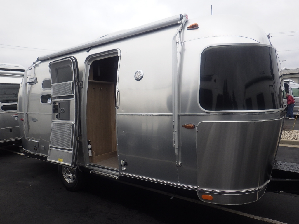 2020 Airstream Globetrotter Stk #AT20003 Blogs
