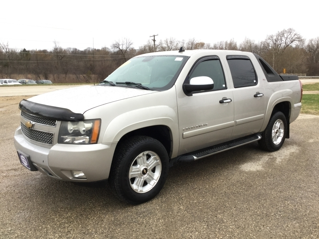 Trucks For Sale In Wi >> Chevy Trucks For Sale In Milwaukee Wisconsin Ewald Automotive Group