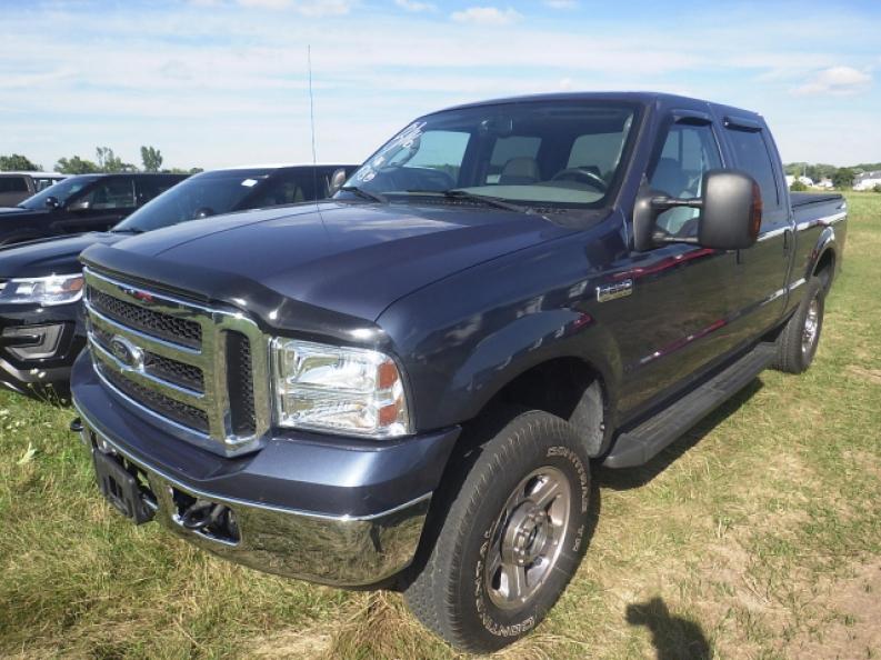 used ford f250 trucks for sale in hartford wi ewald 39 s hartford ford. Black Bedroom Furniture Sets. Home Design Ideas