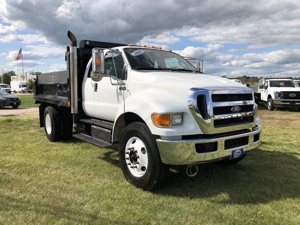 2011 Ford Super Duty F-750 Straight Fram , H19569A, Photo 1