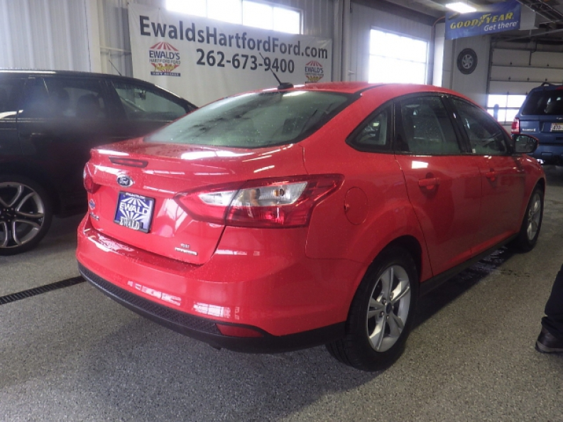 the best used cars near west bend wi with ewald ewald 39 s hartford ford. Black Bedroom Furniture Sets. Home Design Ideas