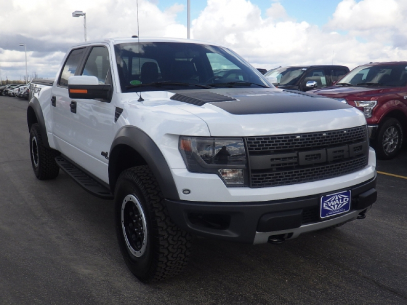 Ford Raptor For Sale >> The Used Ford F 150 Svt Raptor For Sale In Wi Ewald S Hartford Ford
