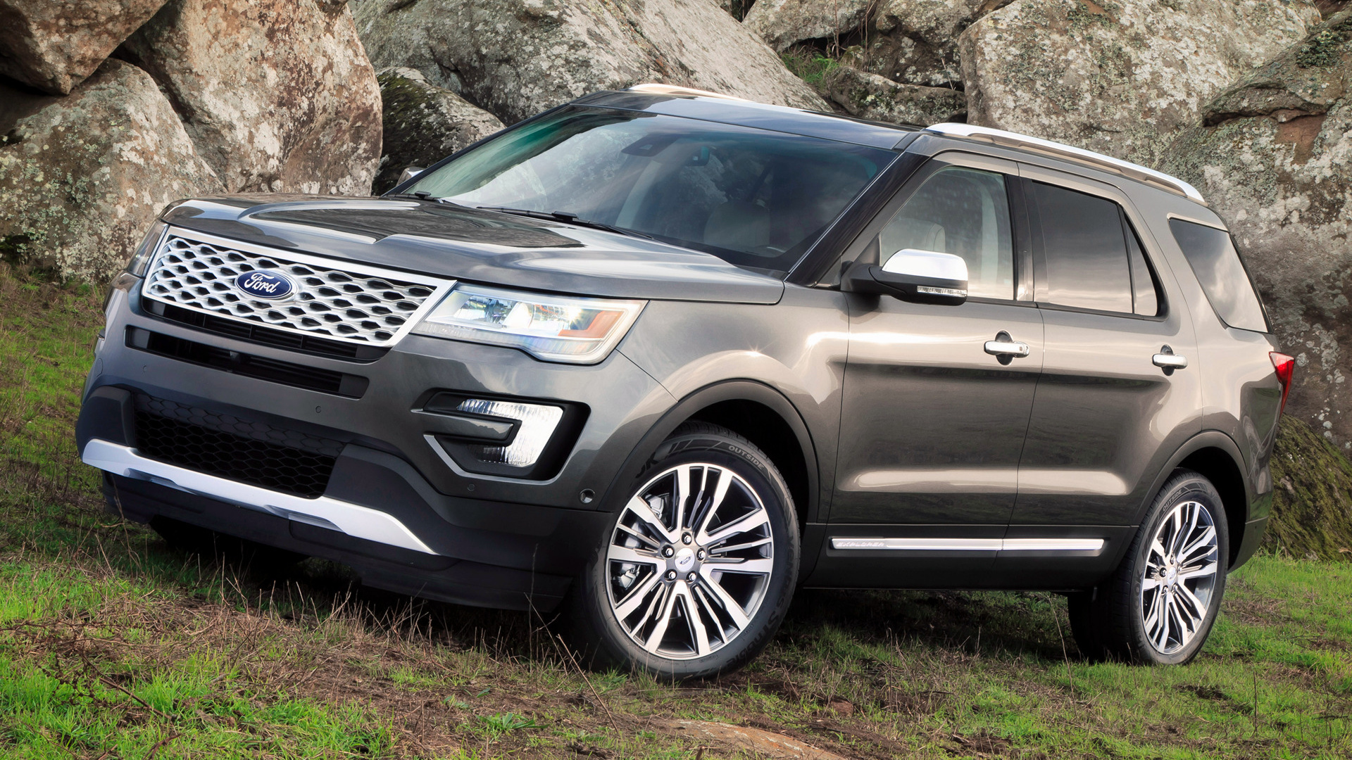 the new 2016 ford explorer lease ewald 39 s hartford ford. Black Bedroom Furniture Sets. Home Design Ideas