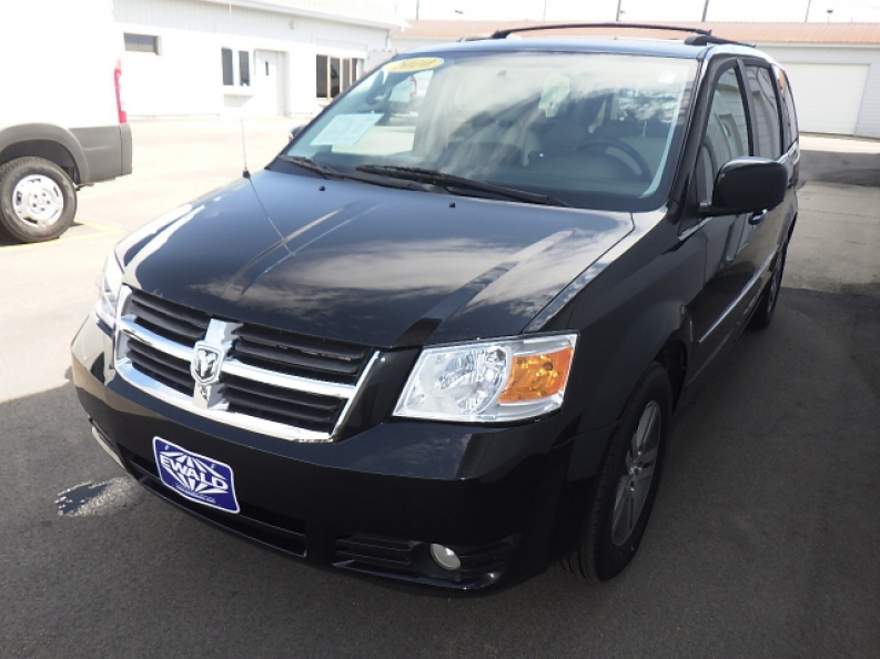 Best Used Minivan >> Check Out Ewald S Best Used Minivans For Sale Ewald Cjdr