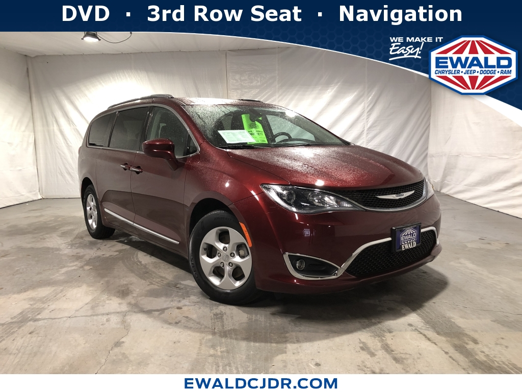 2017 Chrysler Pacifica Limited, CL146A, Photo 1