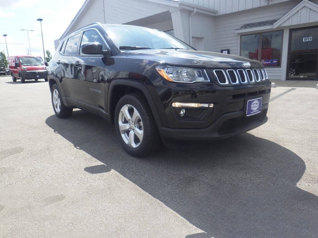 2017 Jeep Compass Latitude, JH355, Photo 1