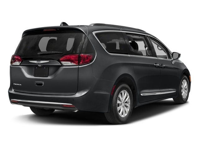 Minivans For Sale >> Ewald S Used Minivans For Sale In Milwaukee Wi Ewald Cjdr