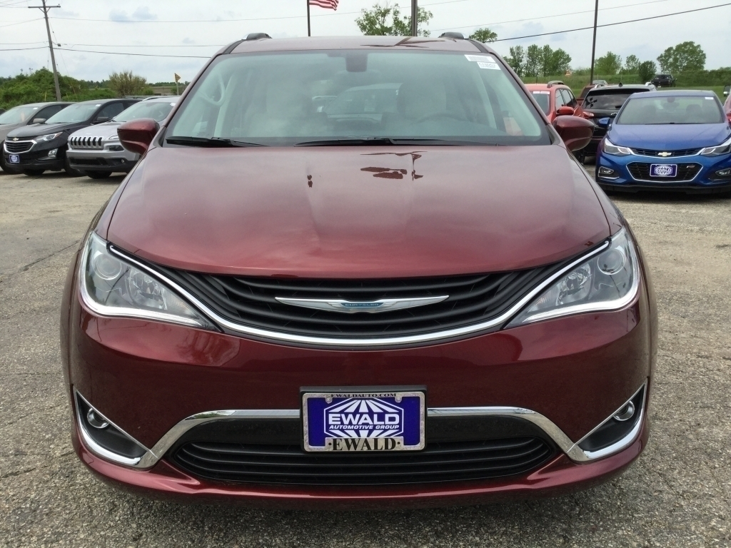 2018 Chrysler Pacifica Touring L, CN1622, Photo 1