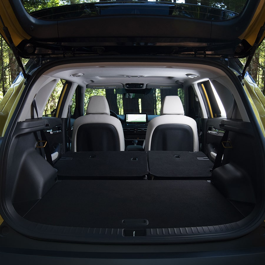 2021 Kia Seltos fold-down rear seats