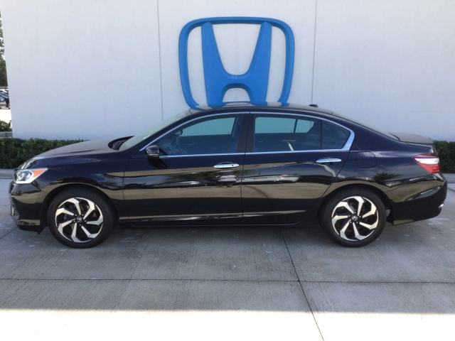 2016 Honda Accord Sedan LX, H36951A, Photo 1