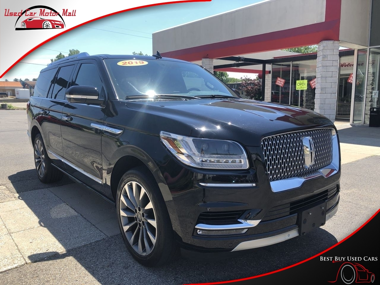 2016 Lincoln Navigator L Select 4WD, L08688, Photo 1