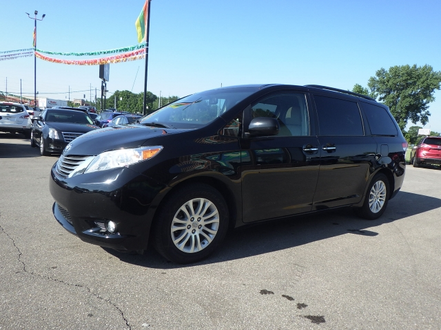 used minivans for sale near me rb car company. Black Bedroom Furniture Sets. Home Design Ideas
