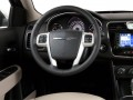 2013 Chrysler 200 Touring, AW9138, Photo 6