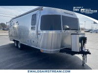 New, 2020 Airstream Flying Cloud 25FBQ, Silver, AT20018-1