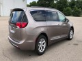 2017 Chrysler Pacifica Touring-L, 536003, Photo 8
