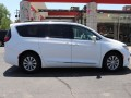 2017 Chrysler Pacifica Touring-L, 576632, Photo 9