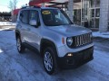 2017 Jeep Renegade Latitude 4WD, F46570, Photo 2