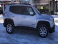 2017 Jeep Renegade Latitude 4WD, F46570, Photo 9