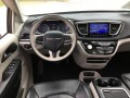 2017 Chrysler Pacifica Limited, 19C169A, Photo 4