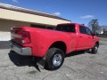 2017 Ram 3500 SLT 4x4 Crew Cab 8' Box, 27043, Photo 4