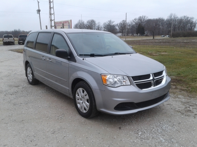 used red 2014 dodge grand caravan stk 100437 terre haute auto. Black Bedroom Furniture Sets. Home Design Ideas