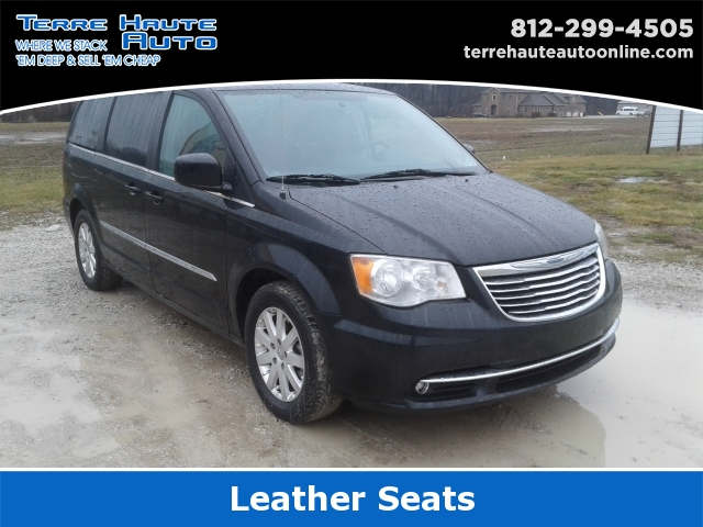 2016 Chrysler Town & Country Touring, 100670, Photo 1